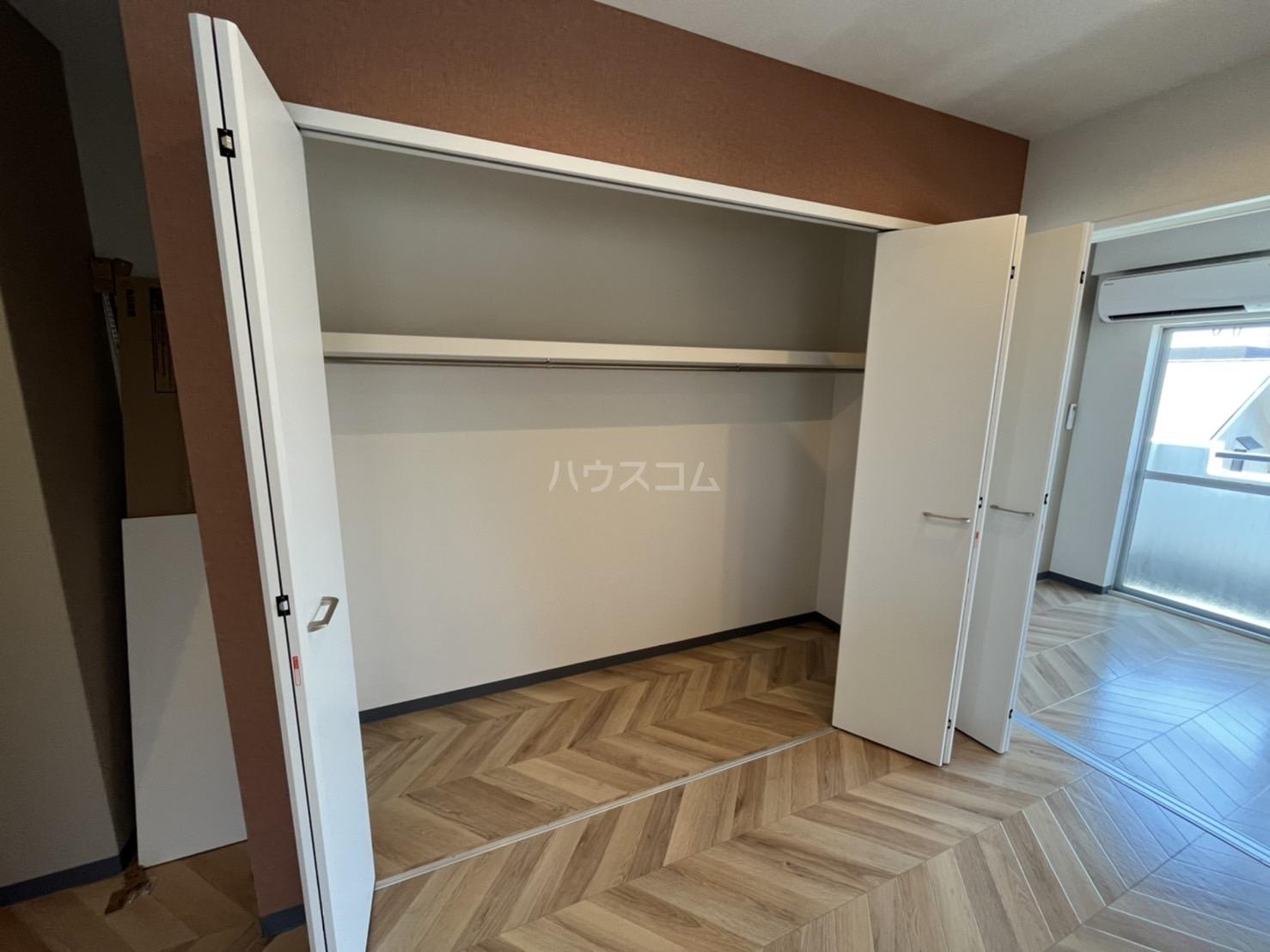 西川ハイツ 301号室のベッドルーム