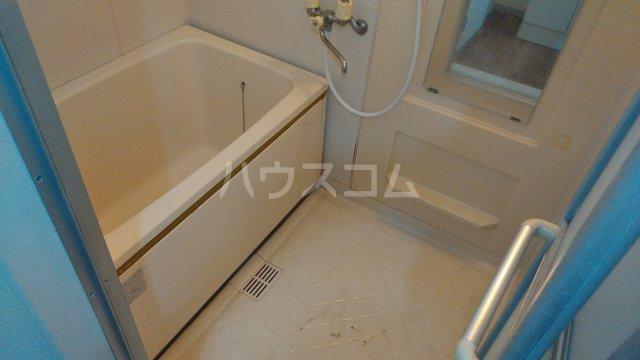 レジデンスKASUYA 205号室の風呂