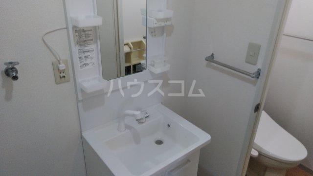 レジデンスKASUYA 205号室の洗面所
