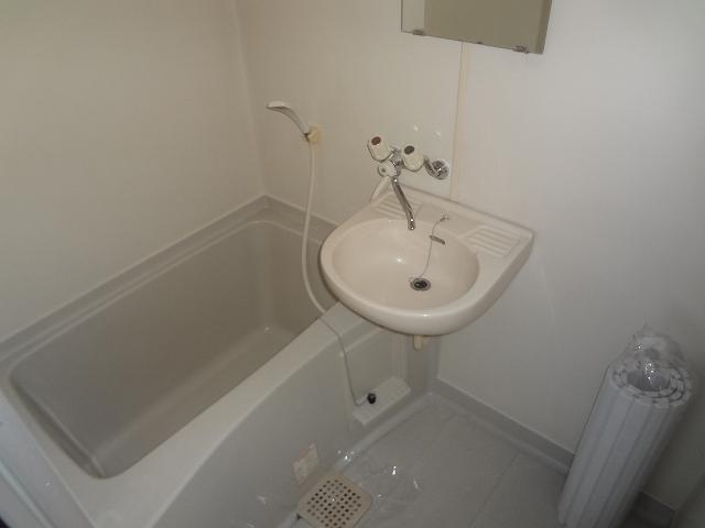 ハウスK3 203号室の風呂
