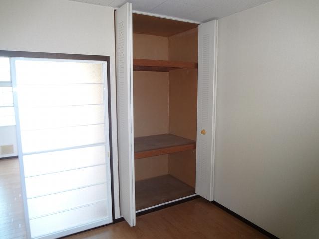 ハウスK3 203号室の収納