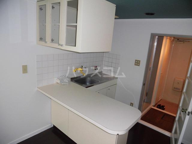 ルートヒルⅣ A6号室のキッチン