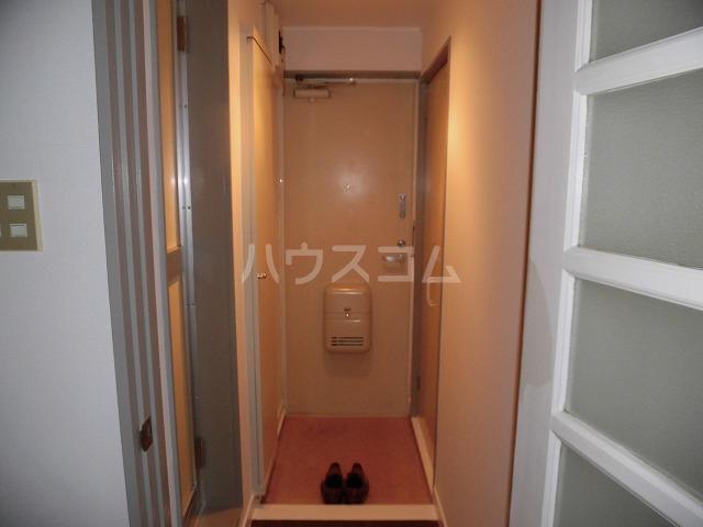 ルートヒルⅣ A6号室の玄関