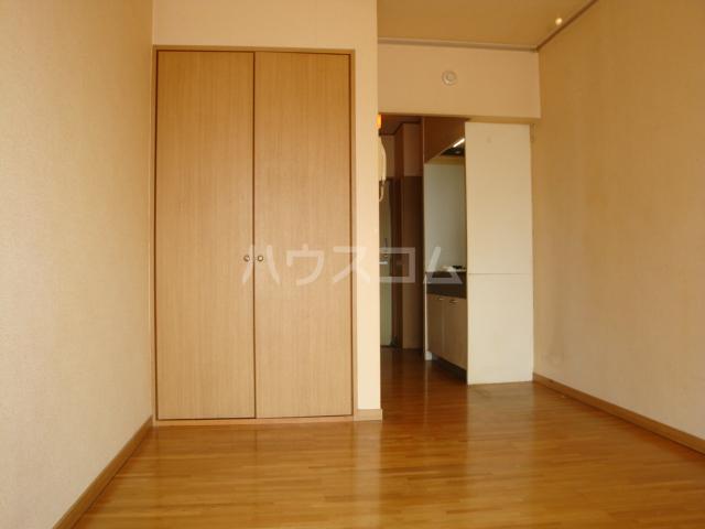 第2ホーメスト桜木 1C号室のリビング