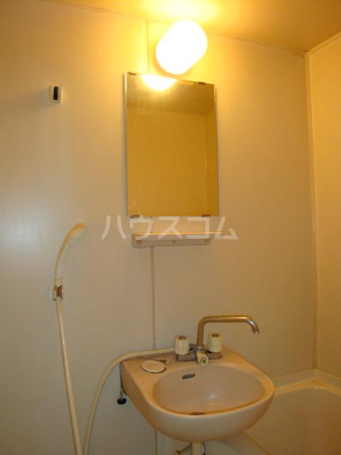 第2ホーメスト桜木 1C号室の洗面所