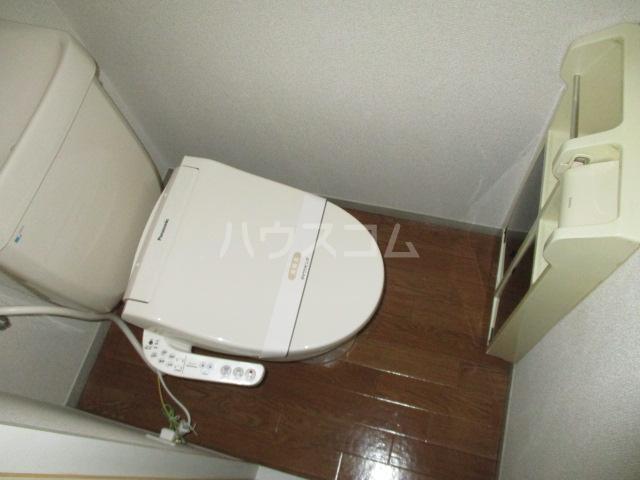 サンボナールA・B A-101号室のトイレ