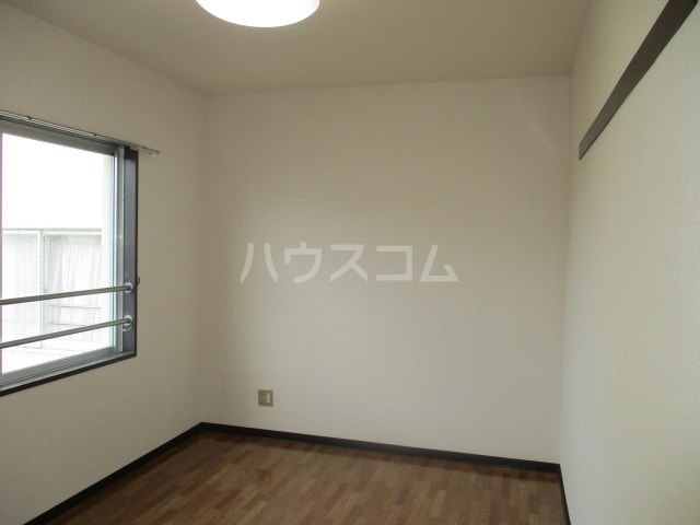ライトアップ萩丘2番館 216号室のリビング