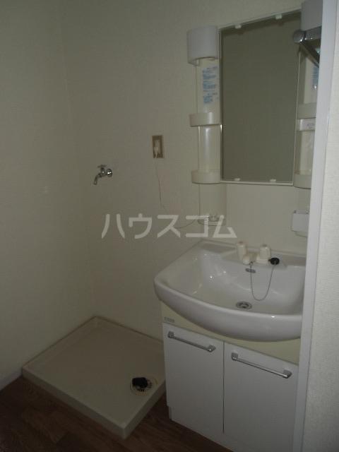 レジデンスライム 101号室の洗面所