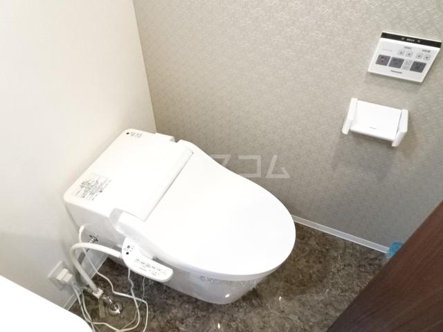 LE COCON東中島町 101号室のトイレ