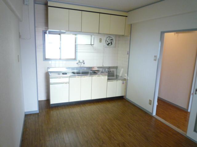 さくら館塩池 102号室のキッチン