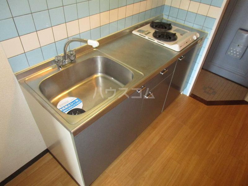 助信モンドEAST 305号室のキッチン