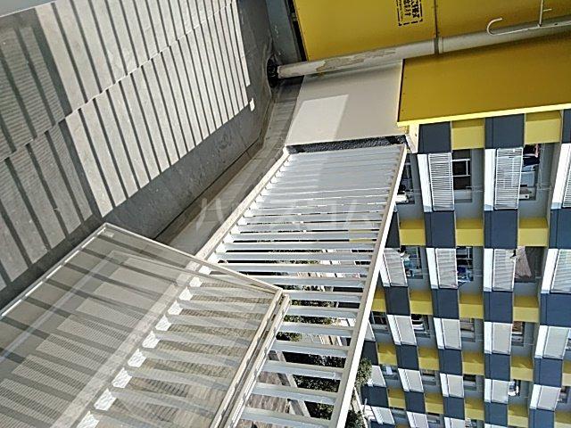 中駒九番団地 8号棟 1203号室のバルコニー