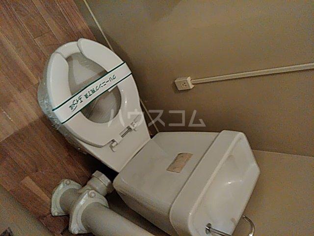 中駒九番団地 8号棟 1203号室のトイレ