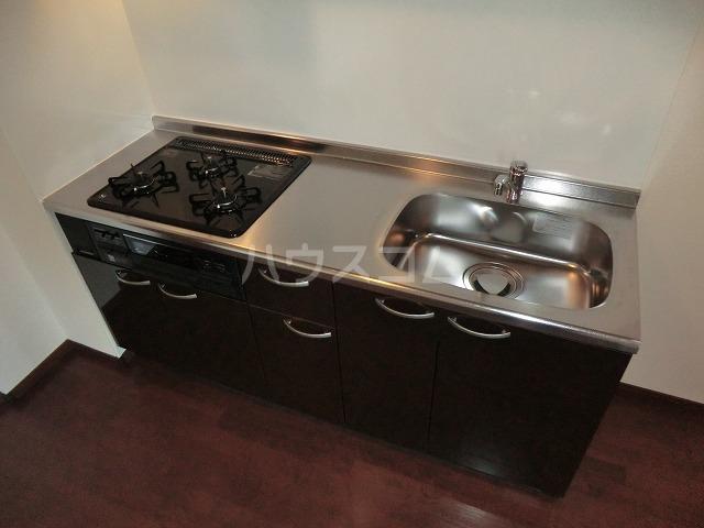 アンプルール リーブル オルメール 103号室のキッチン