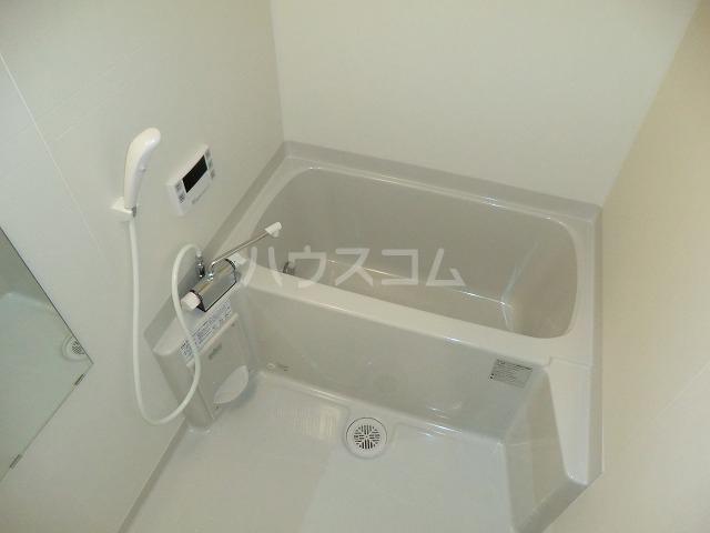 アンプルール リーブル オルメール 103号室の風呂