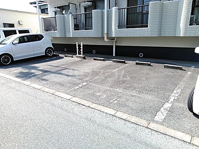 ハイツ天竜Ⅱ 302号室の駐車場