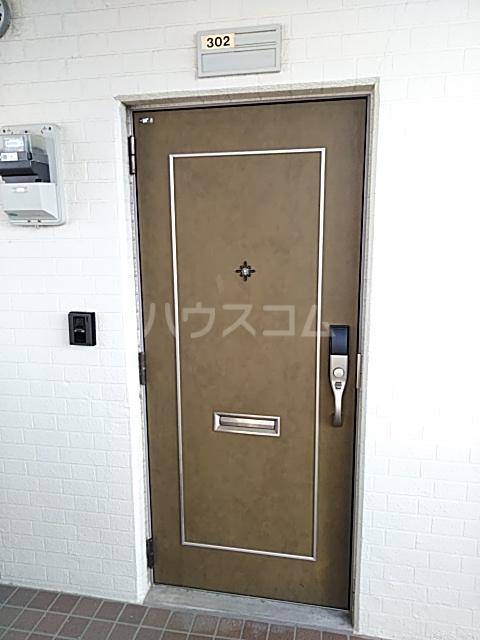 ハイツ天竜Ⅱ 302号室の玄関