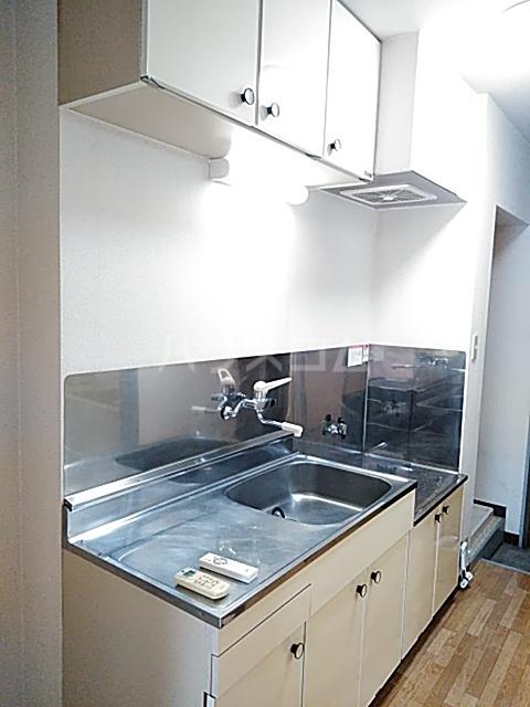 ハイツ天竜Ⅱ 302号室のキッチン