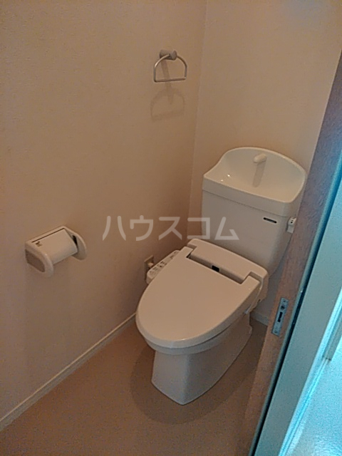 アルコリバーサイド 302号室のトイレ