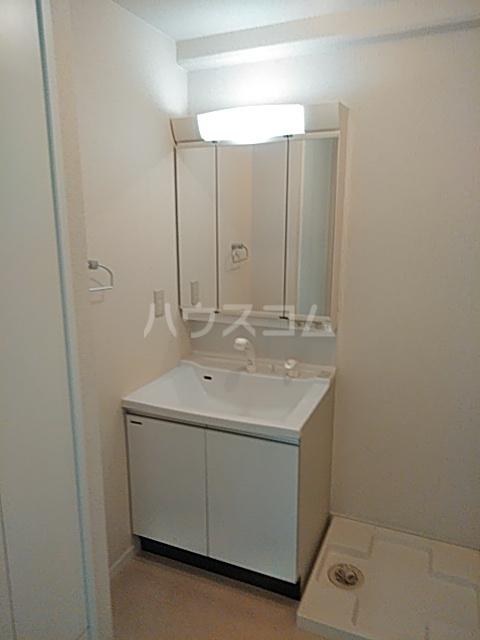 アルコリバーサイド 302号室の洗面所