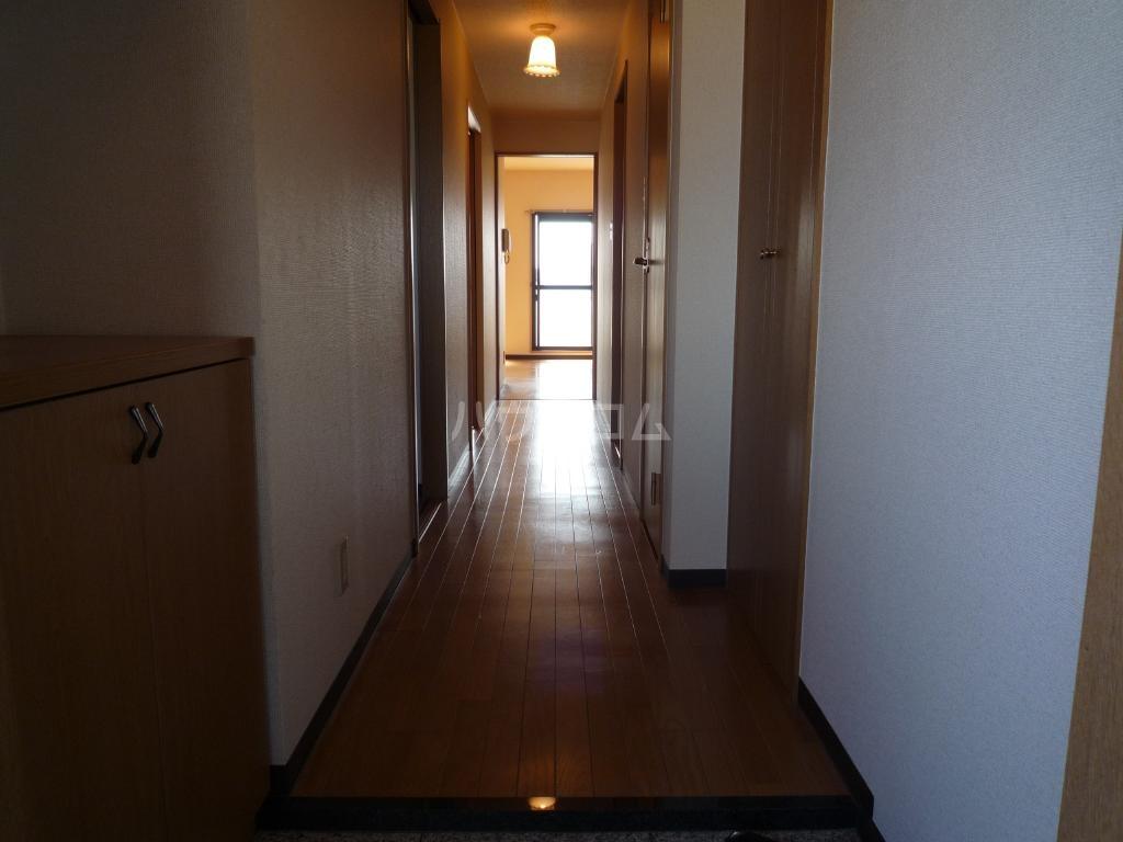 クレアール壱番館 403号室のロビー