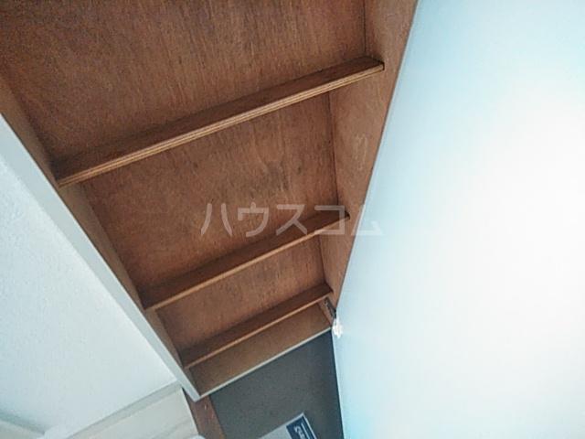 ジュネパレス新検見川第01 201号室の収納