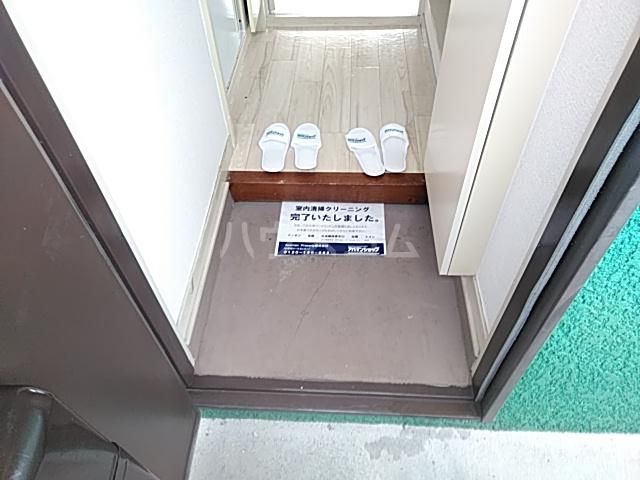 ジュネパレス新検見川第01 201号室の玄関