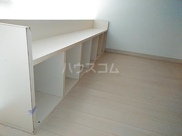 ジュネパレス新検見川第01 102号室の収納
