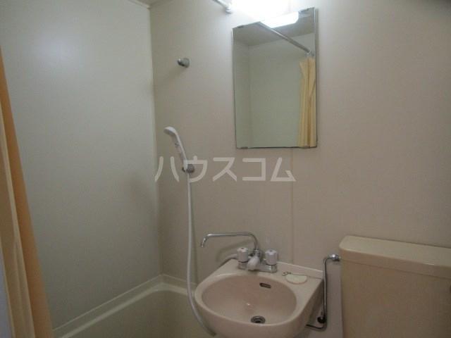 グレイス第5マンション 210号室の洗面所