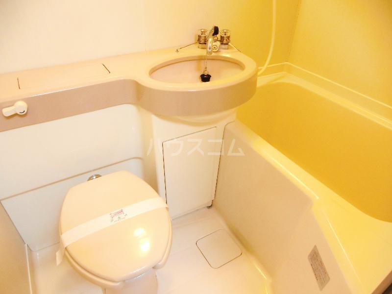 ジュネスタウン 403号室の風呂