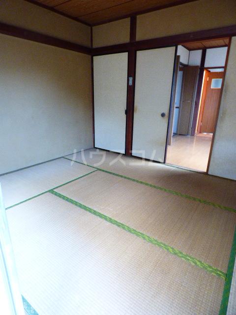 コーポ江川 204号室のリビング