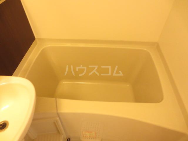 カメハウス 201号室の風呂