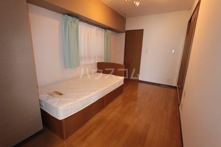 ソルトシティ浜松 305号室のベッドルーム