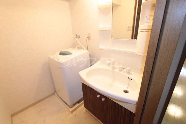 ソルトシティ浜松 305号室の洗面所