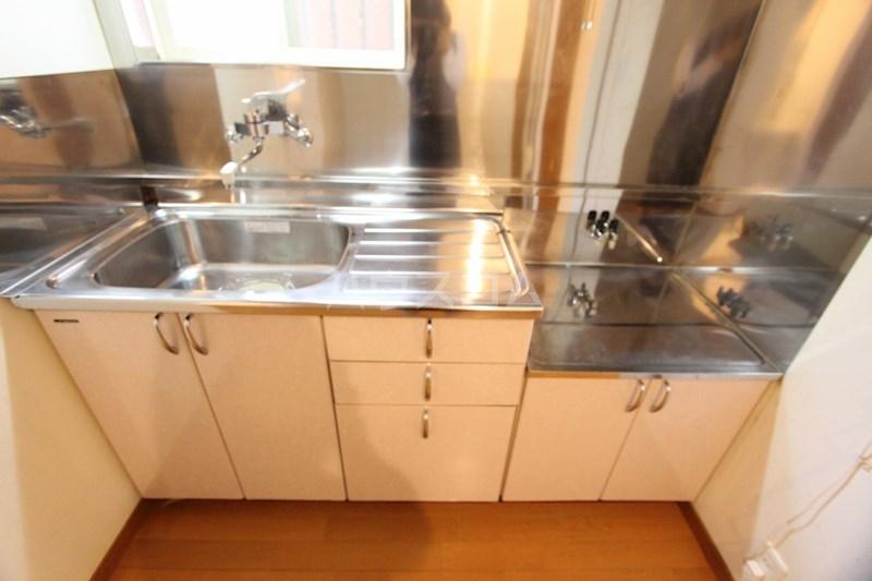ピーノ松島 102号室のキッチン