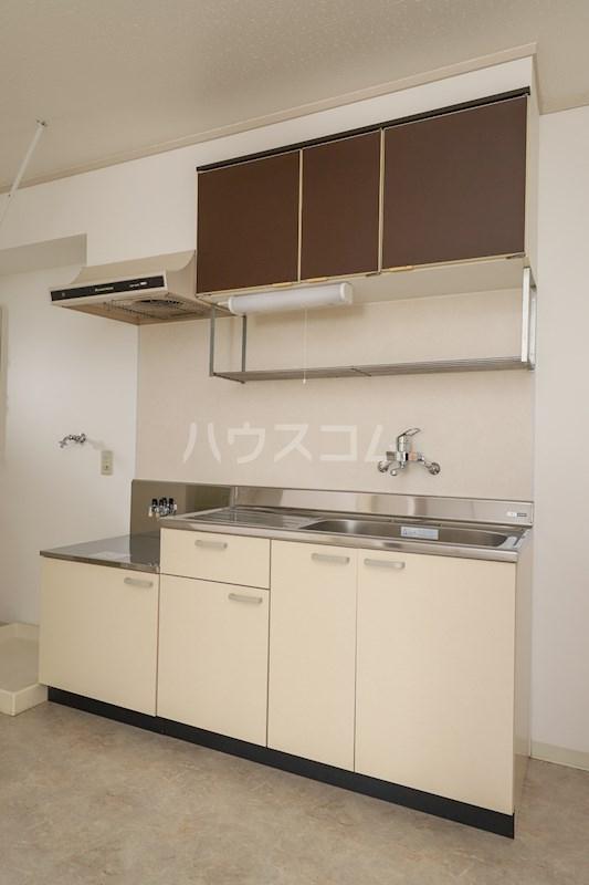 メゾンアルカディア 301号室のキッチン