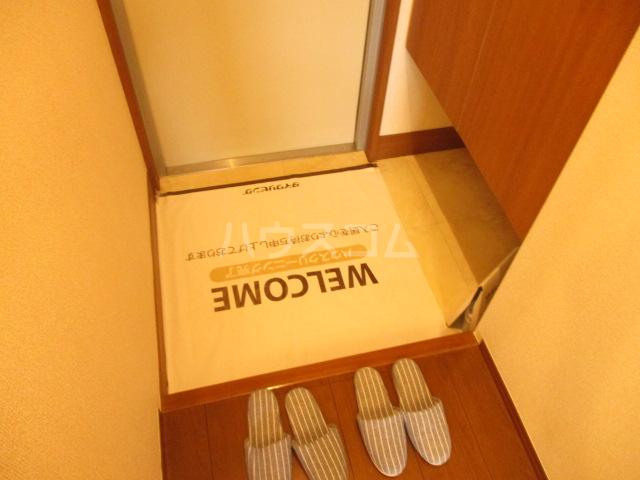 プリサージュ 102号室の玄関