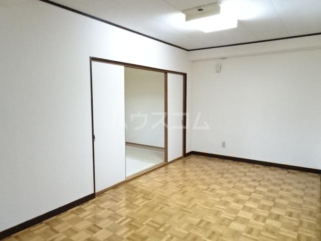 シュタットハイム 203号室の居室