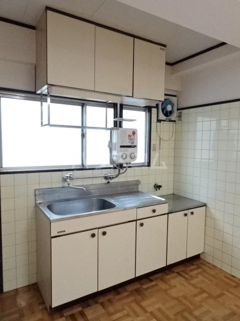 シュタットハイム 203号室のキッチン