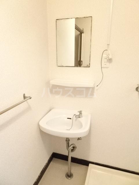 シュタットハイム 203号室の洗面所