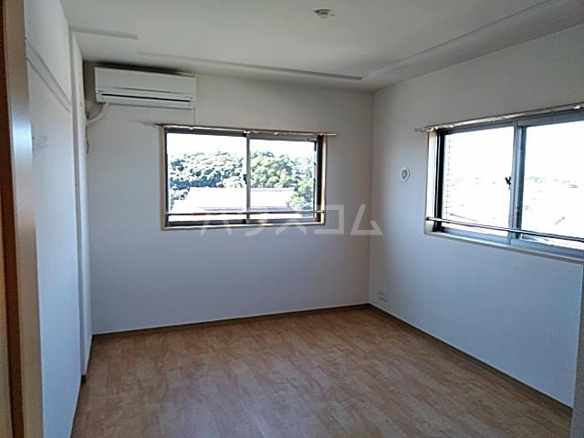 リンボックF 303号室のベッドルーム