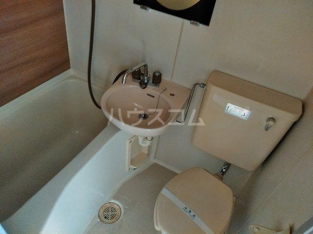 ドール東海通 601号室の風呂