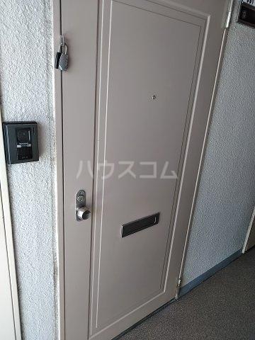ドール東海通 601号室の玄関