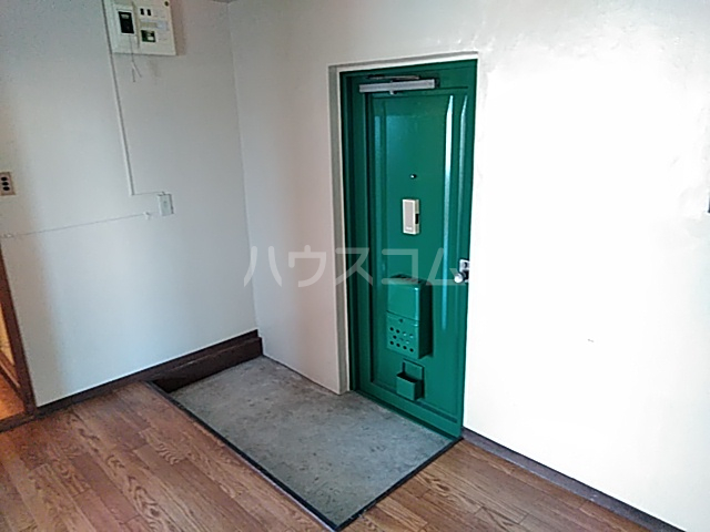 弁天ビル 302号室の玄関