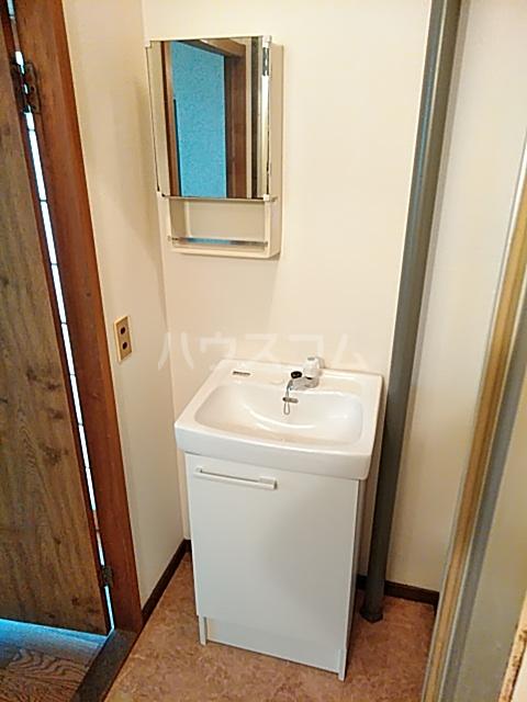 弁天ビル 302号室の洗面所