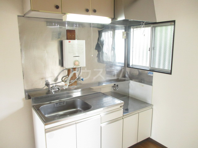 第3中村ハイツ 102号室のキッチン