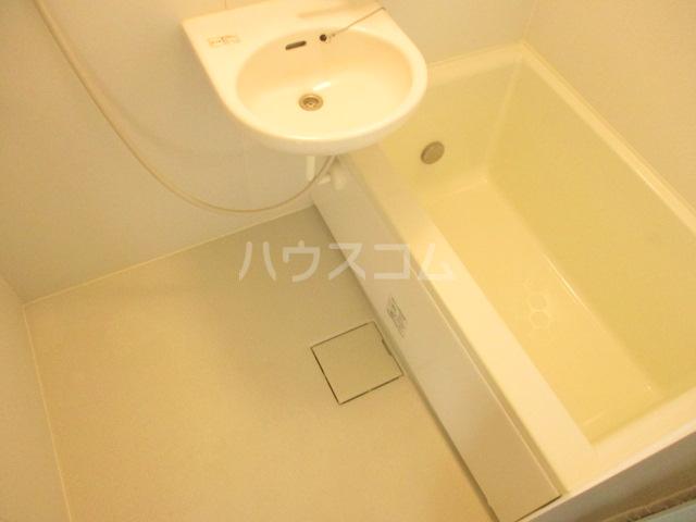 第3中村ハイツ 102号室の風呂