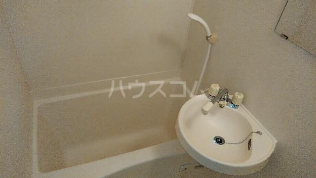白山ハイツ 102号室の風呂