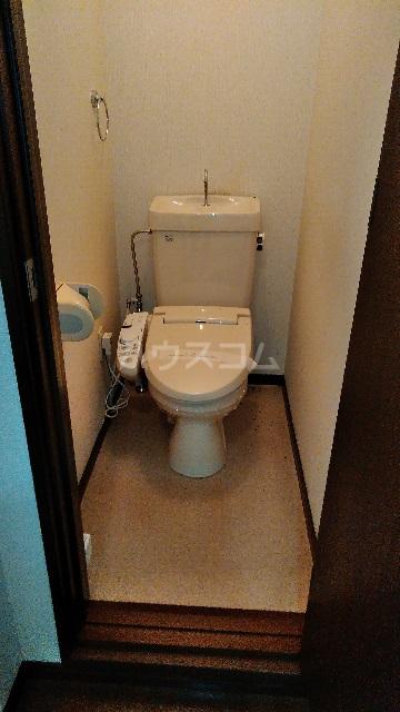 白山ハイツ 102号室のトイレ