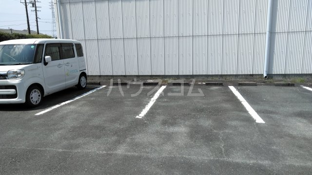 セジュール大橋 B 101号室の駐車場